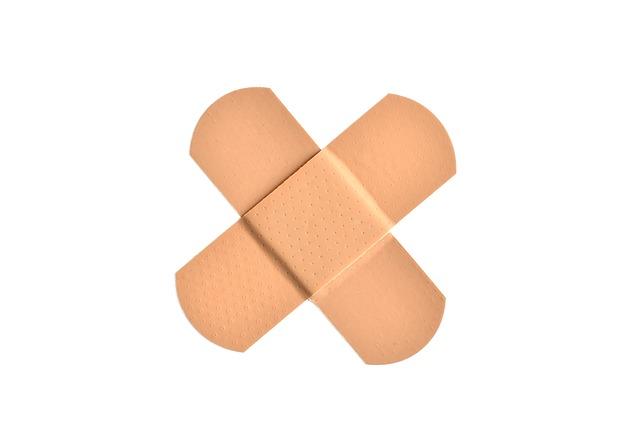 kříž z náplastí